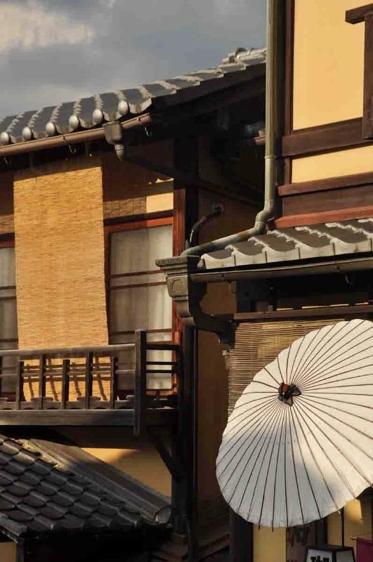 galleries-japan-vertical-4