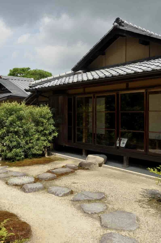 galleries-japan-vertical-8